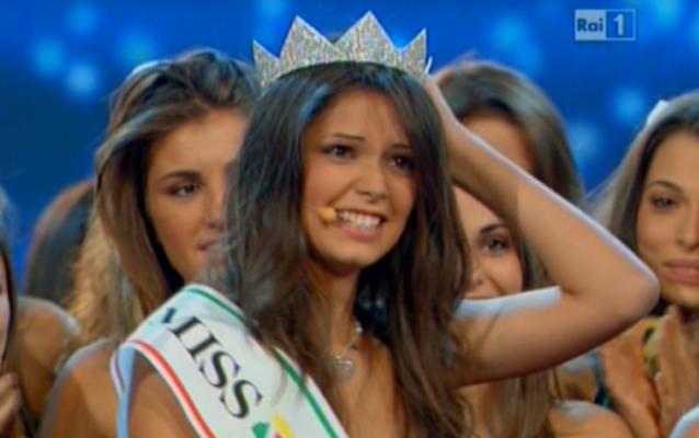 Miss-Italia-2011-Stefania-Bivone