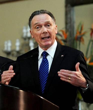 Peter Kent - Ministro dellambiente canadese