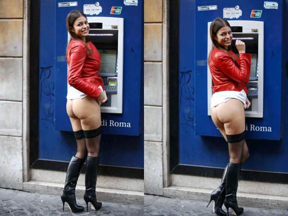 sara tommasi_in_perizoma_bancomat