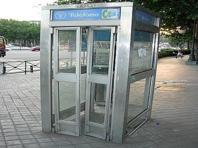nuove cabine telefoniche