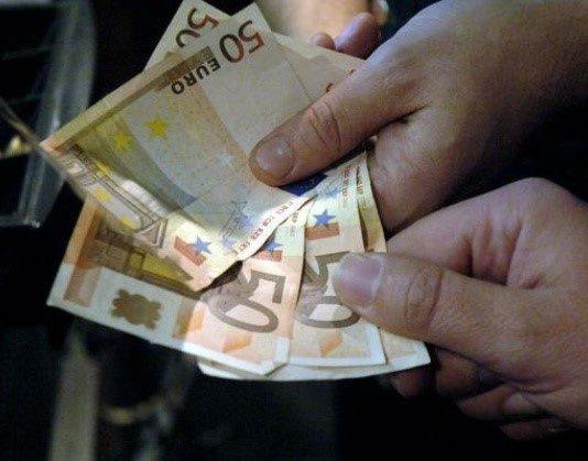 soldi in mano