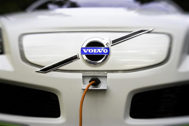 Volvo solo auto elettriche dal 2019